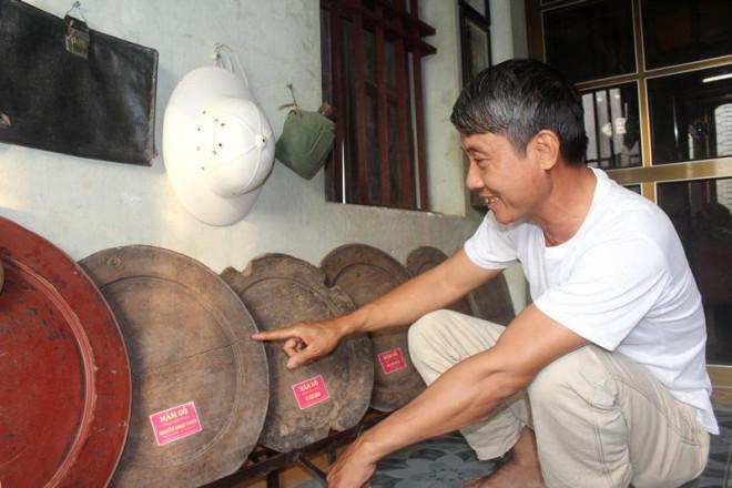 Người bỏ hơn 30 năm sưu tầm hàng trăm mâm gỗ cổ, chỉ để dùng 1 lần dịp Tết - 1