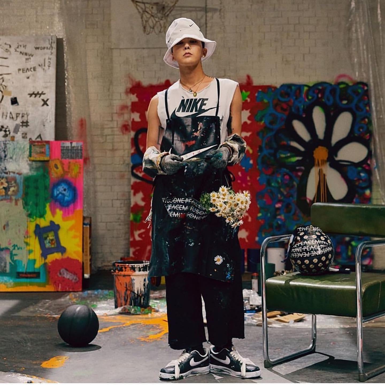"""Con nhà giàu Việt mua giày G-Dragon thiết kế rồi """"phá"""" cho độc lạ - 1"""