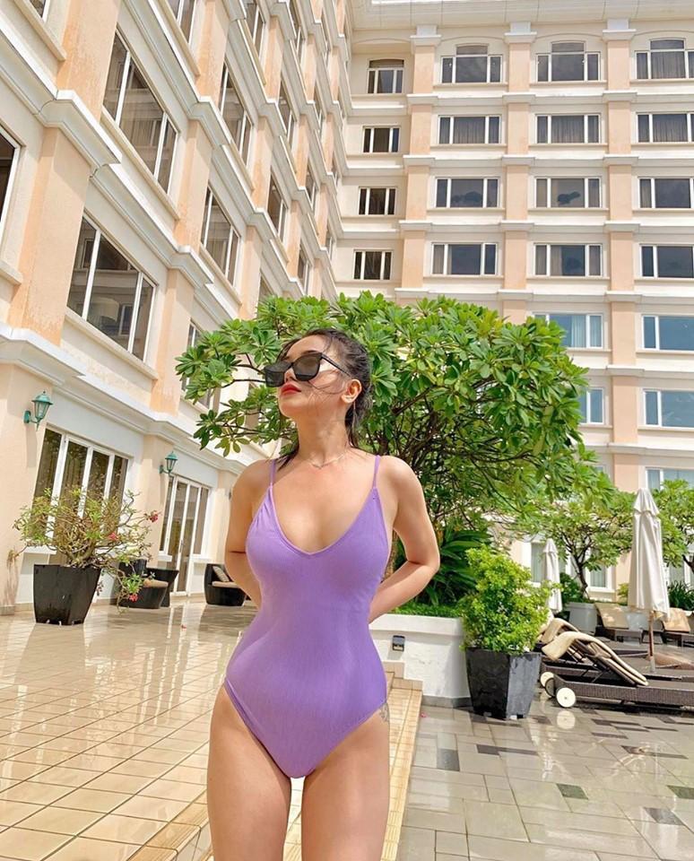 Sau scandal Dior fake, Sĩ Thanh khoe loạt it-bag mới giá 16 - 60 triệu đồng - 1
