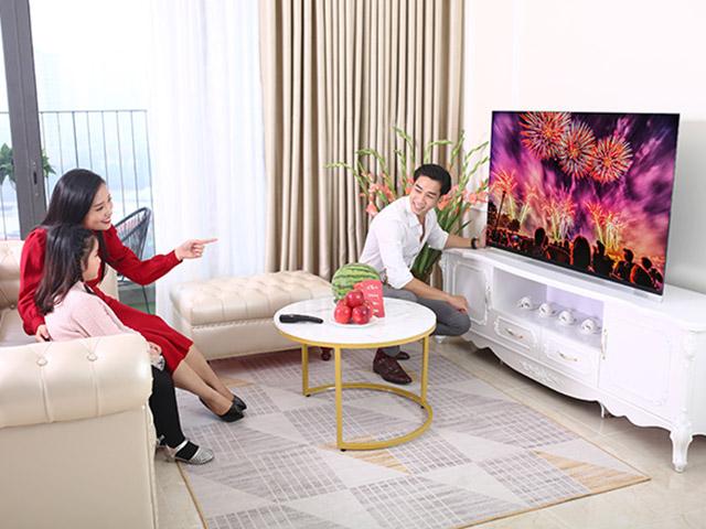 3 mẫu TV OLED 65 inch tô điểm cho phòng khách sang trọng dịp Tết