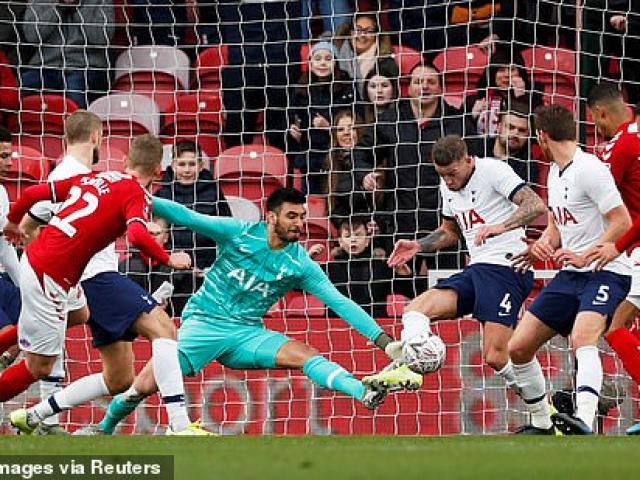 Bóng đá - Video highlight trận Middlesbrough - Tottenham: Bất ngờ choáng váng, Mourinho đau đầu