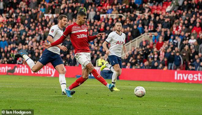 Video highlight trận Middlesbrough - Tottenham: Bất ngờ choáng váng, Mourinho đau đầu - 1