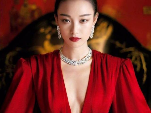 Thời trang - Đầu năm, Tết sắp đến, mặc màu đỏ thế nào để ngắm là yêu?