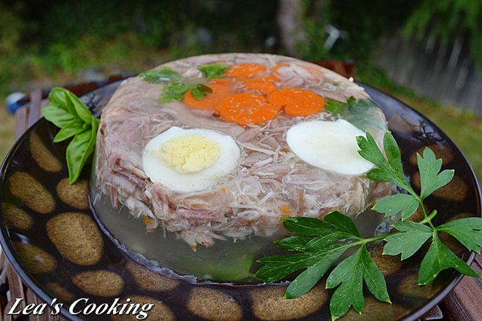 Cách làm thịt đông trong veo, đúng chuẩn truyền thống ngày Tết - 1