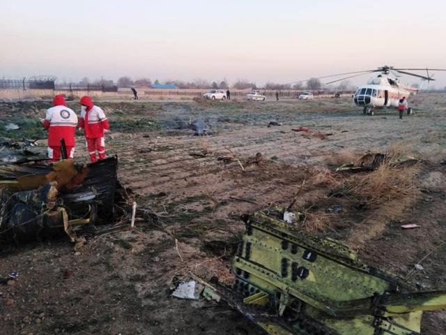 Máy bay chở 180 hành khách rơi ở Iran, hầu hết hành khách nghi đã thiệt mạng
