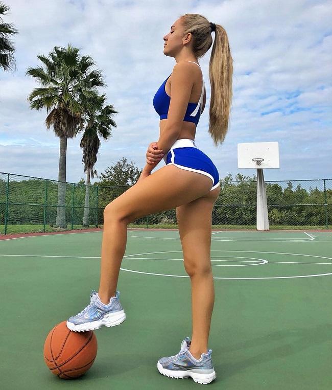 Việc hoạt động thể thao liên tục mỗi ngày giúp cô luôn kiểm soát tốt cân nặng của mình.
