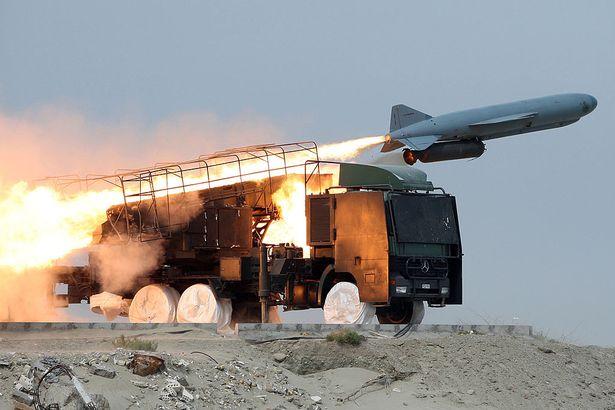Bị quốc tế dồn ép vì bắn rơi máy bay, Iran sẽ có bom hạt nhân trong năm nay? - 1