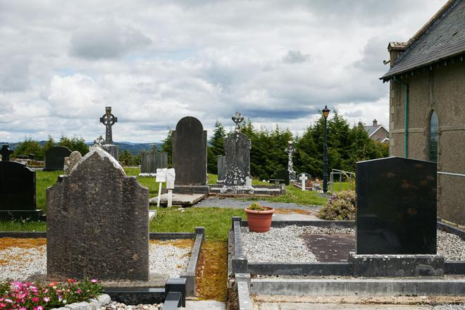 Kỳ bí huyệt mộ chữa bệnh tại Bắc Ireland - 1