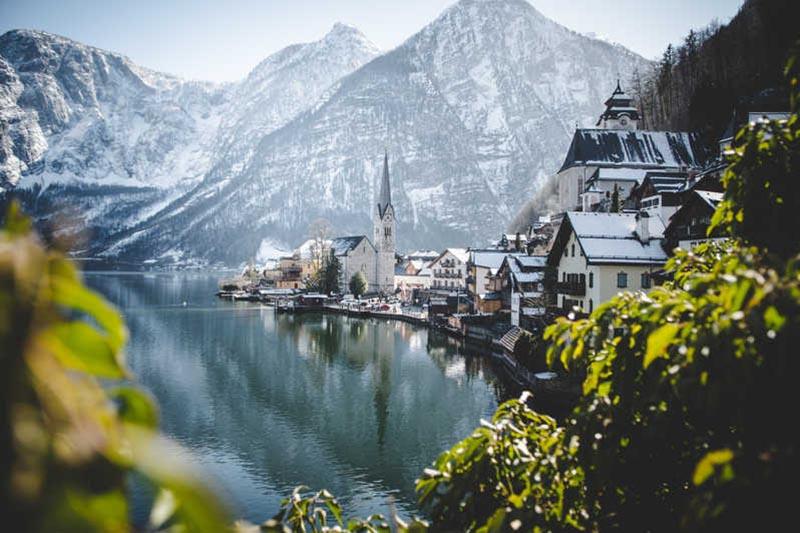 Vì sao ngôi làng đẹp nhất thế giới mong du khách đừng đến - 6