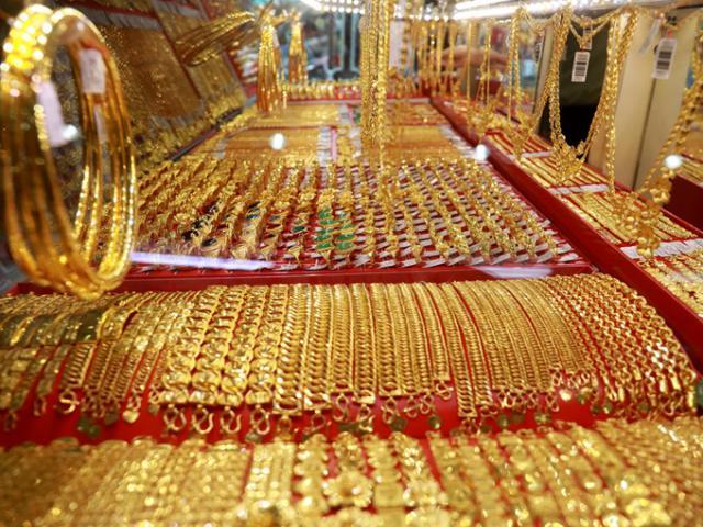 """Giá vàng hôm nay 14/1: Nhà đầu tư tháo chạy, vàng """"cắm đầu"""" lao dốc"""