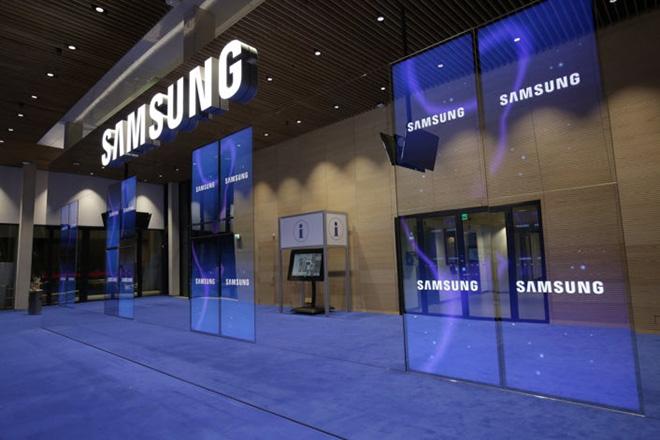 Giá trị Samsung tăng vọt trong 1 năm, vẫn thua xa Apple - 1