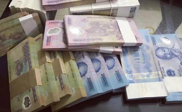"""Tiền lẻ về ngân hàng """"chỉ đủ cho mối quan hệ thân thiết"""", phí đổi tăng vọt - 1"""