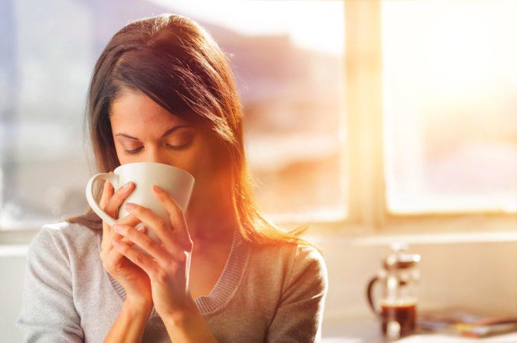 Lý do nên uống nước trước khi uống trà hoặc cà phê - 1