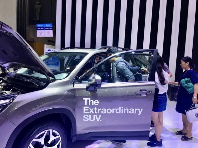Người Việt mua ô tô đạt kỷ lục - 1