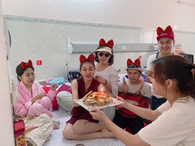 Mai Phương đón sinh nhật trong bệnh viện vào lúc giáp Tết khiến fan lo lắng - 1