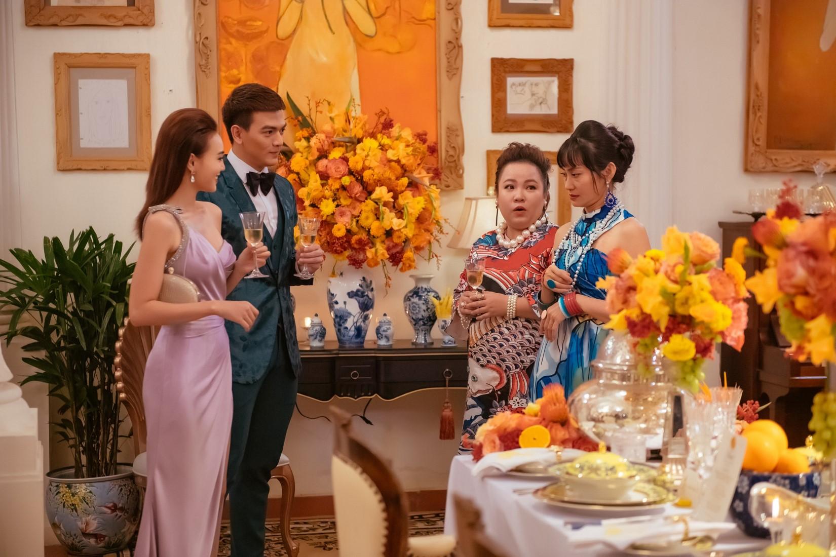 Ninh Dương Lan Ngọc choáng ngợp khi dự bữa tiệc thượng lưu 5 tỷ đồng - 11