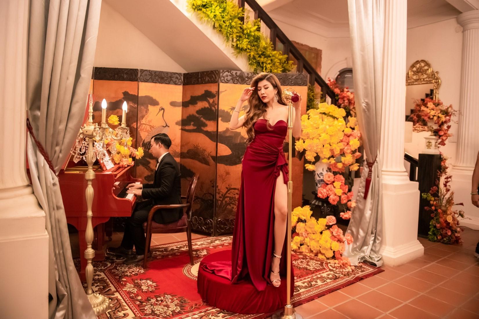 Ninh Dương Lan Ngọc choáng ngợp khi dự bữa tiệc thượng lưu 5 tỷ đồng - 16