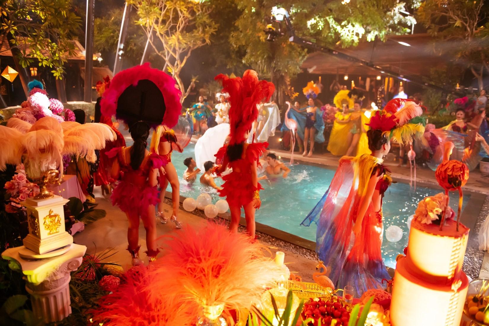 Ninh Dương Lan Ngọc choáng ngợp khi dự bữa tiệc thượng lưu 5 tỷ đồng - 17