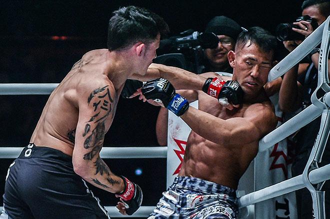 """MMA châu Á: Bị võ sĩ gốc Việt đấm ngất, """"Kẻ hủy diệt"""" Nhật Bản nói gì? - 1"""