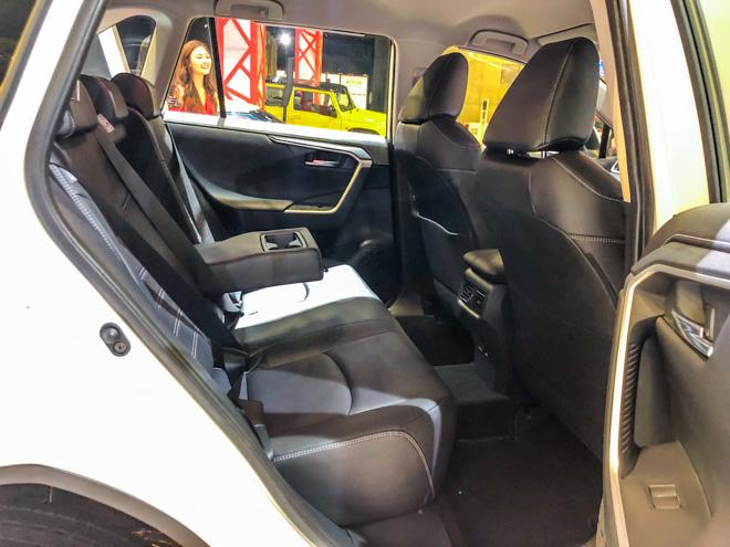 Ngắm Toyota RAV4 tại thị trường Singapore, có giá bán 2,27 tỷ đồng - 9