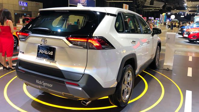 Ngắm Toyota RAV4 tại thị trường Singapore, có giá bán 2,27 tỷ đồng - 7