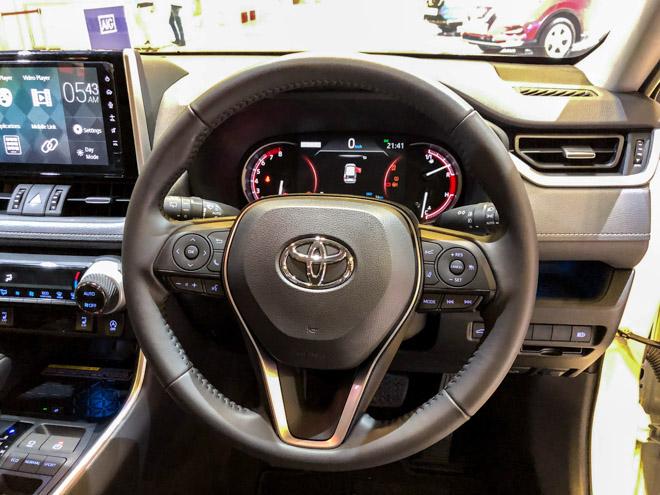 Ngắm Toyota RAV4 tại thị trường Singapore, có giá bán 2,27 tỷ đồng - 10