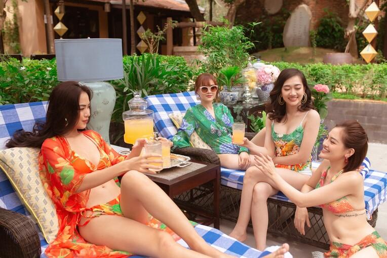 """Lan Ngọc cùng hội bạn thân diện bikini nóng bỏng, gây """"náo loạn"""" biệt phủ xứ Huế - 4"""