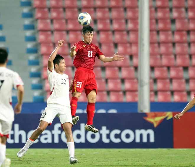U23 Việt Nam thua U23 Triều Tiên: Đình Trọng cay đắng bị đuổi - 1