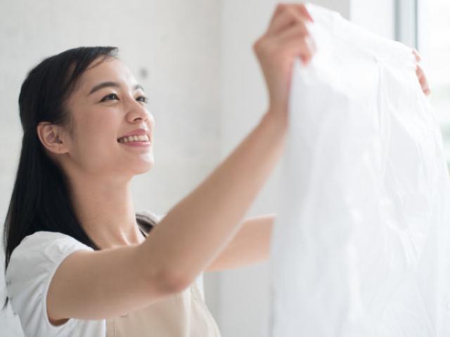 Cách dùng giấm, aspirin... làm trắng vết bẩn trên quần áo