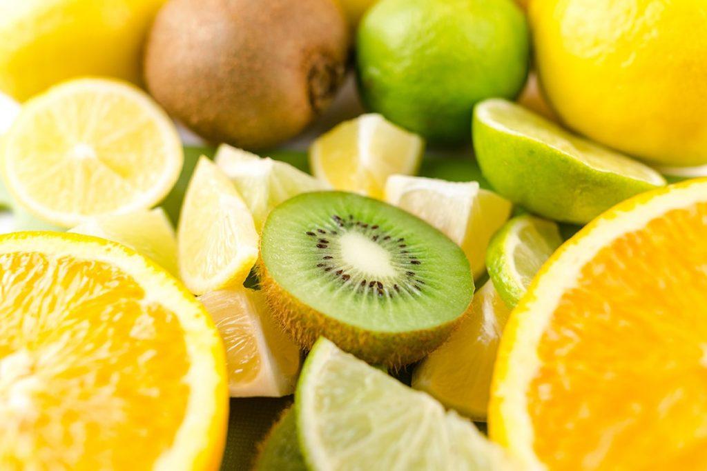 Vì sao bạn không nên tự chế dưỡng da vitamin C? - 3