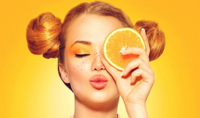 Vì sao bạn không nên tự chế dưỡng da vitamin C? - 1