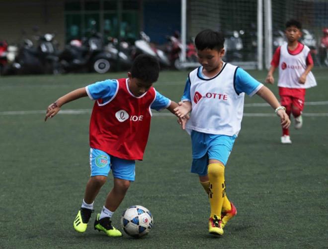 """Thêm một sân chơi bổ ích cho """"chân sút nhí"""" tại Lotte Kids FC 2020 - 1"""