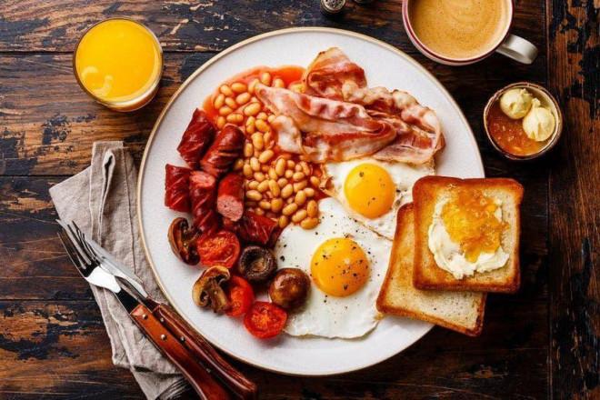 Mỗi tuần 1-2 lần ăn sáng kiểu này, đủ mập lên khó hiểu - 1