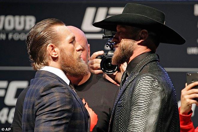 """Đại chiến UFC: McGregor lộng ngôn, sặc cười vì chuyện """"vợ chồng"""" đối thủ - 1"""