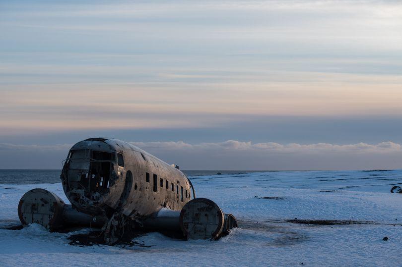Cặp đôi du khách TQ chết bí ẩn ở nơi có xác máy bay rơi cách đây hơn 4 thập kỷ - 1