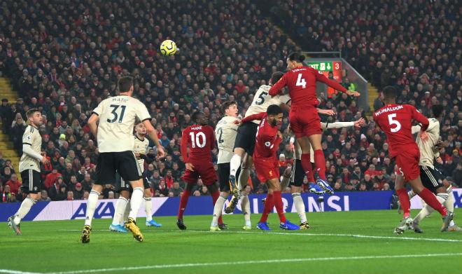 Liverpool hạ MU và cả Ngoại hạng Anh: Van Dijk & 3 SAO lập kỳ tích có 1 không 2 - 1