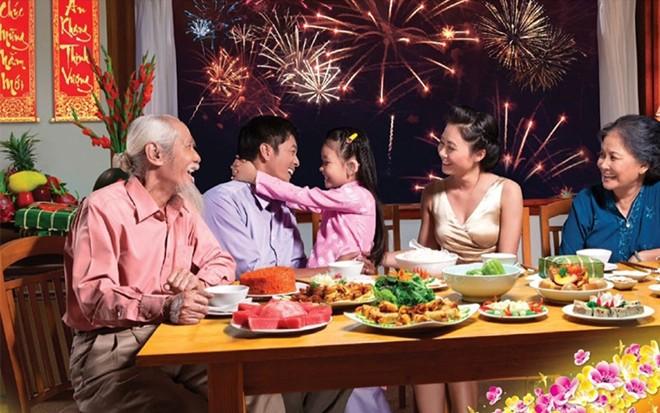 Ngày Tết,người cao tuổi nên ăn uống theo nguyên tắc nào? - 1