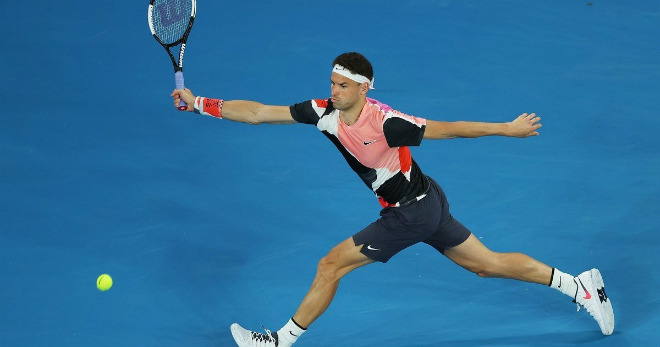 "Australian Open ngày 1: ""Tiểu Federer"" thoát hiểm, Venus Williams bị loại - 1"