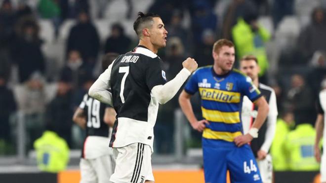 Video highlight trận Juventus - Parma: Ronaldo bùng nổ, ngôi đầu vững chắc - 1