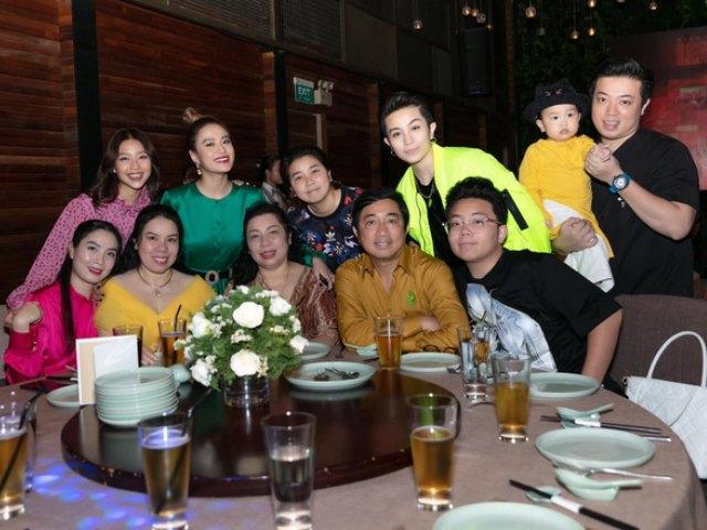 Lộ ảnh Gil Lê và cả gia đình xuất hiện trong bữa tiệc của Hoàng Thuỳ Linh