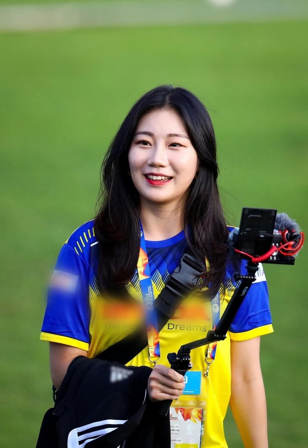 Bóng hồng thần tượng HLV Park Hang-seo chiếm sóng tại VCK U23 châu Á - 1
