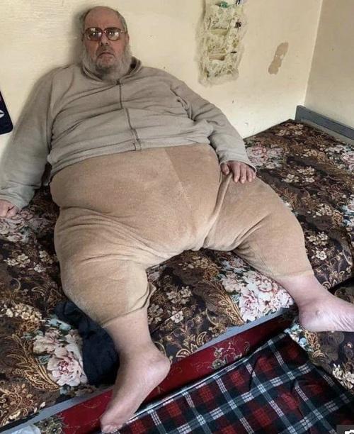 Tội ác khủng khiếp của thủ lĩnh IS nặng hơn 2 tạ mới bị bắt ở Iraq - 1