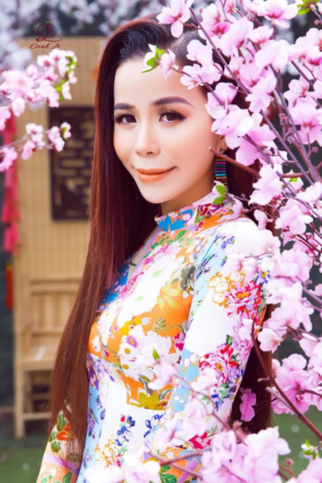 """Mrs International World 2019 Oanh Lê nền nã trong bộ ảnh """"Thanh xuân bên mùa xuân"""" - 1"""
