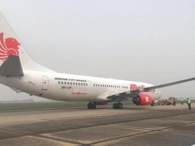 Máy bay vừa cất cánh tại Nội Bài, kiểm soát viên không lưu nghe thấy tiếng nổ