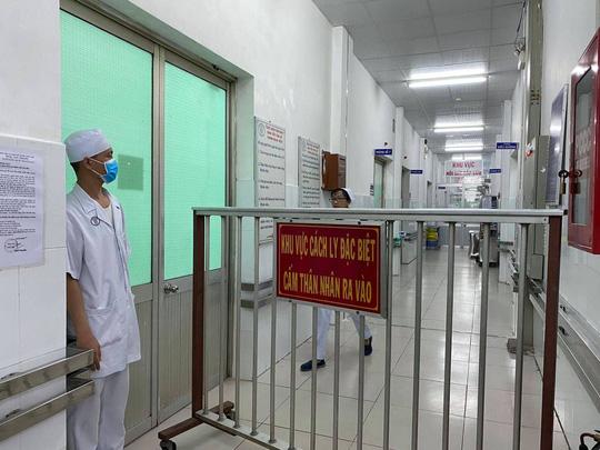 Diễn biến về sức khỏe của 2 cha con nhiễm virus Corona đang điều trị tại BV Chợ Rẫy - 1