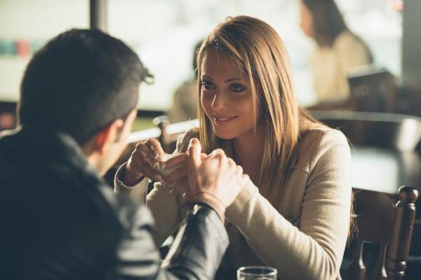 Chán chồng 'lên tận cổ' vẫn dứt khoát không ly hôn vì sợ... mất tiền - 1