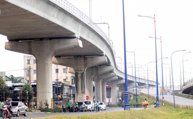 Cận cảnh metro số 1 sắp ra mắt tại TP HCM - 1