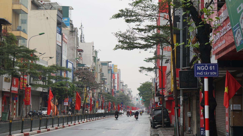 Khung cảnh thanh bình đến lạ ở Hà Nội, Sài Gòn sáng mùng 1 Tết Canh Tý 2020 - 1