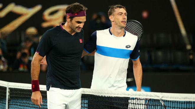 """Federer lập kỳ tích thoát hiểm: Đối thủ tố bị fan """"Tàu tốc hành"""" chơi xấu - 1"""