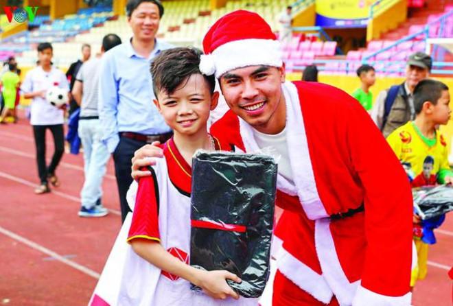 Bí mật của các sao bóng đá Việt Nam - 1